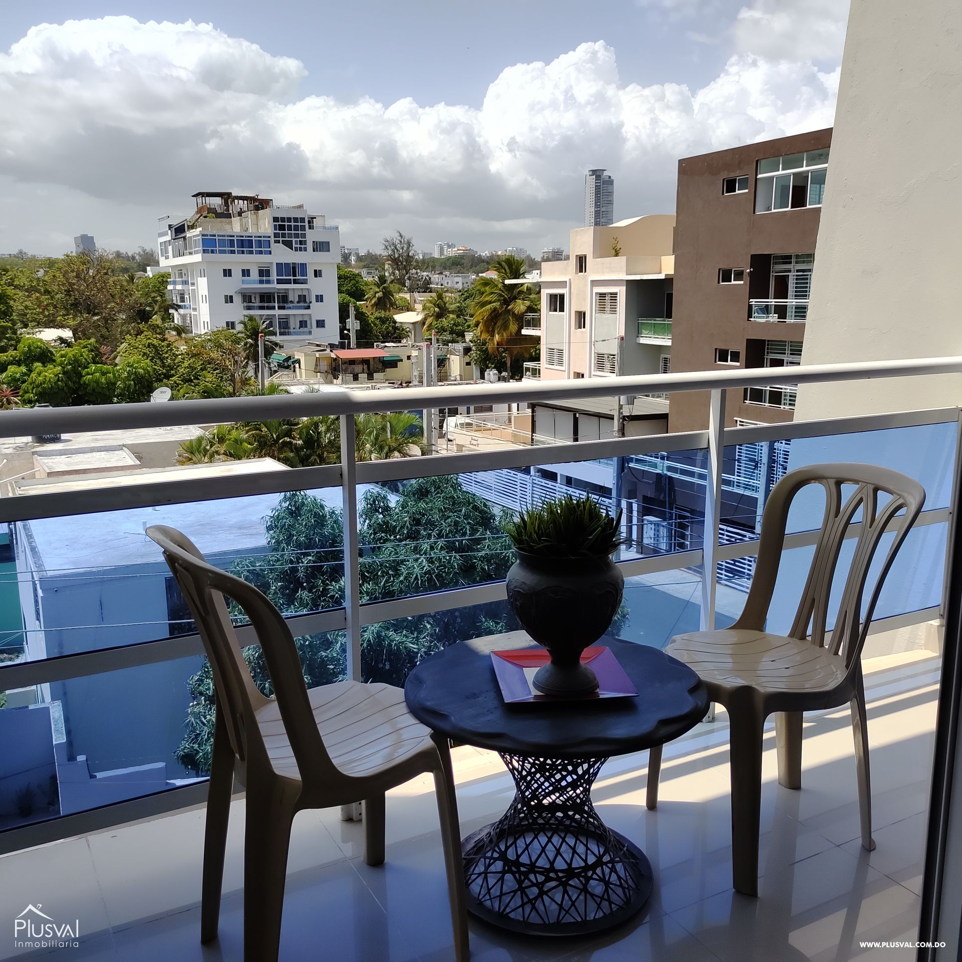 Hermoso apartamento de 2 niveles en venta, Av. Independencia