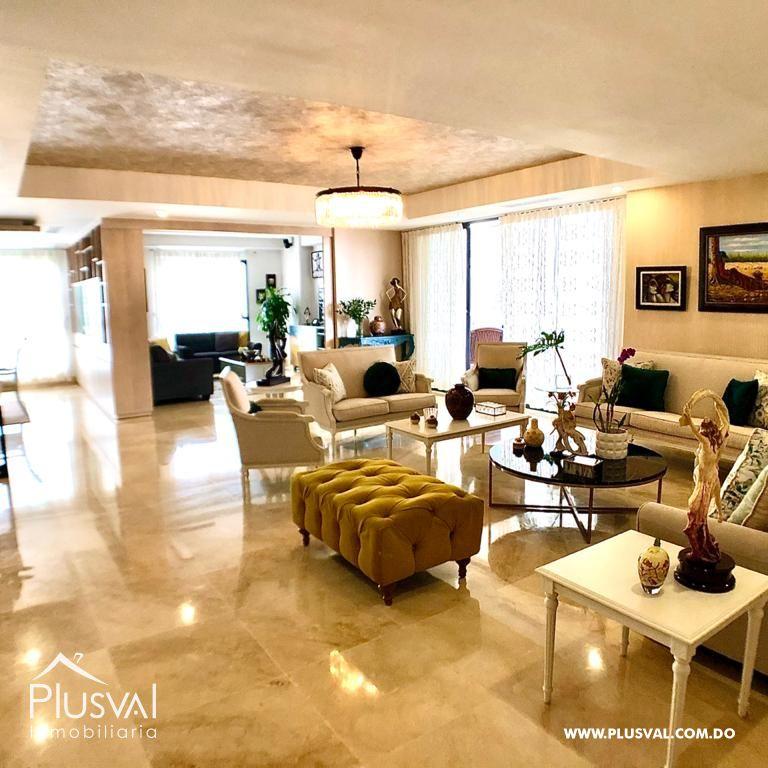 Amplio apartamento en venta en Naco