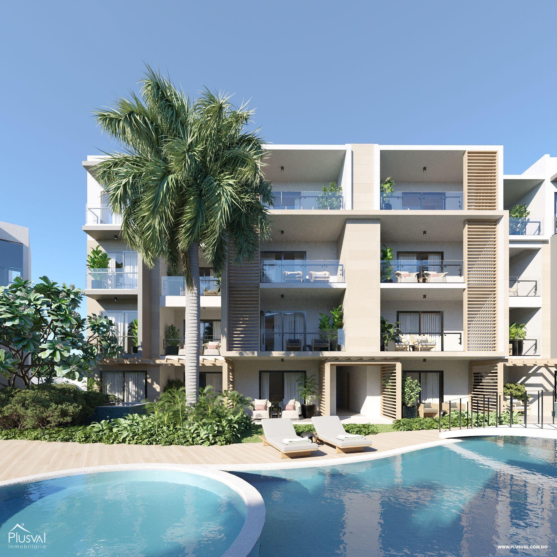 TownHouse y Apartamentos en Bávaro con vista a la piscina