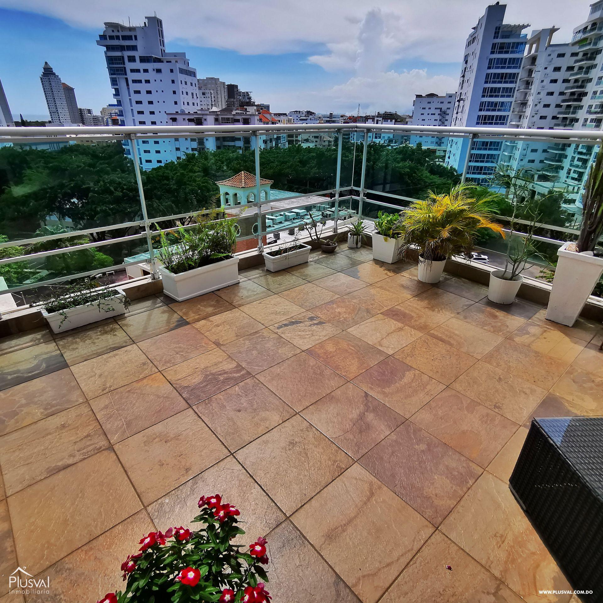 Amplio Penthouse con Dos terrazas, Vista al Mar y el Parque en Urb. Renacimiento