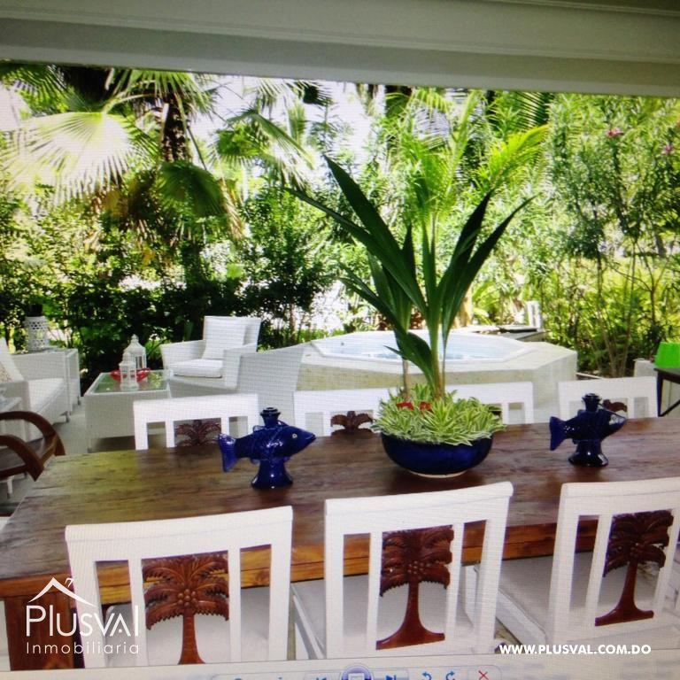 Amplio y luminoso apartamento, excelente ubicación en primera linea de playa con terraza y jacuzzi 176035