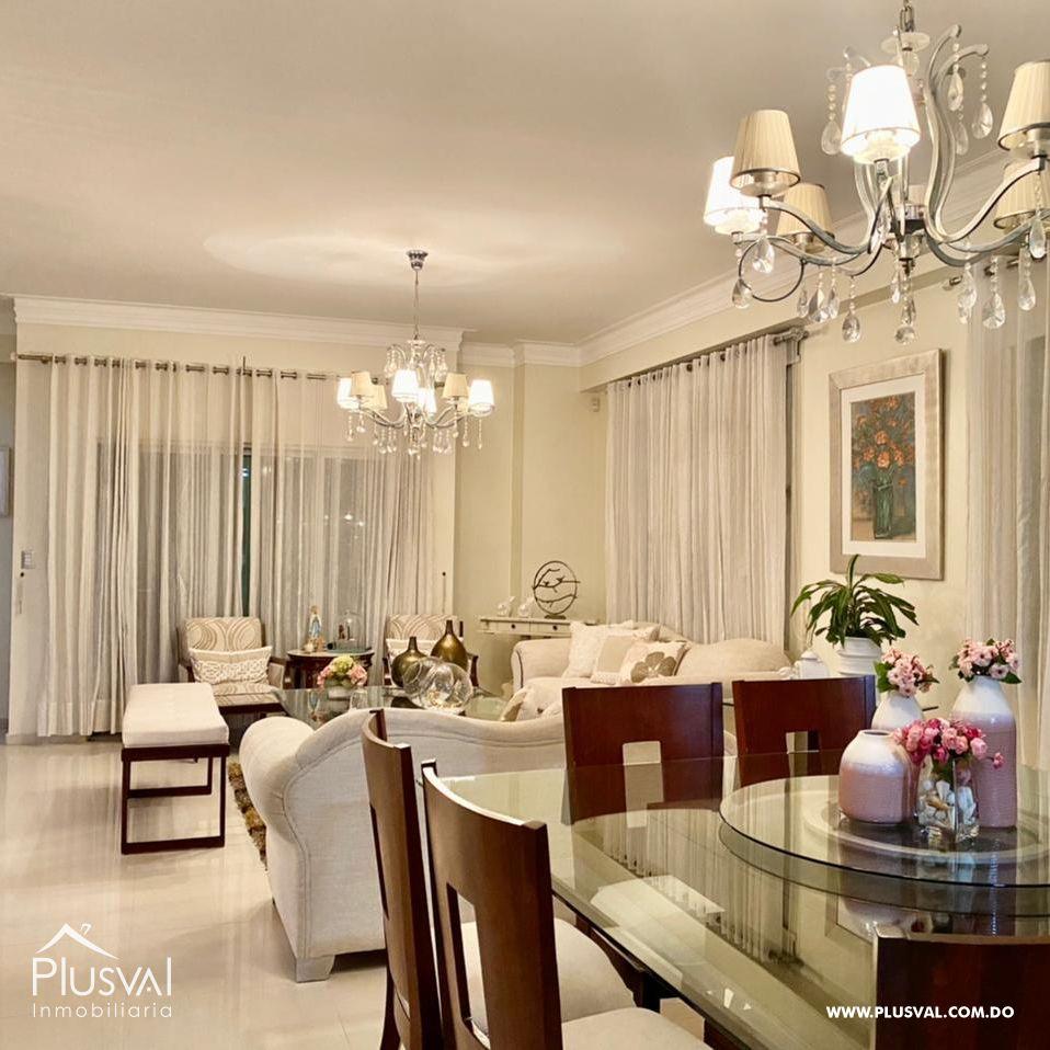 Amplio apartamento, en zona exclusiva de Santiago 172179