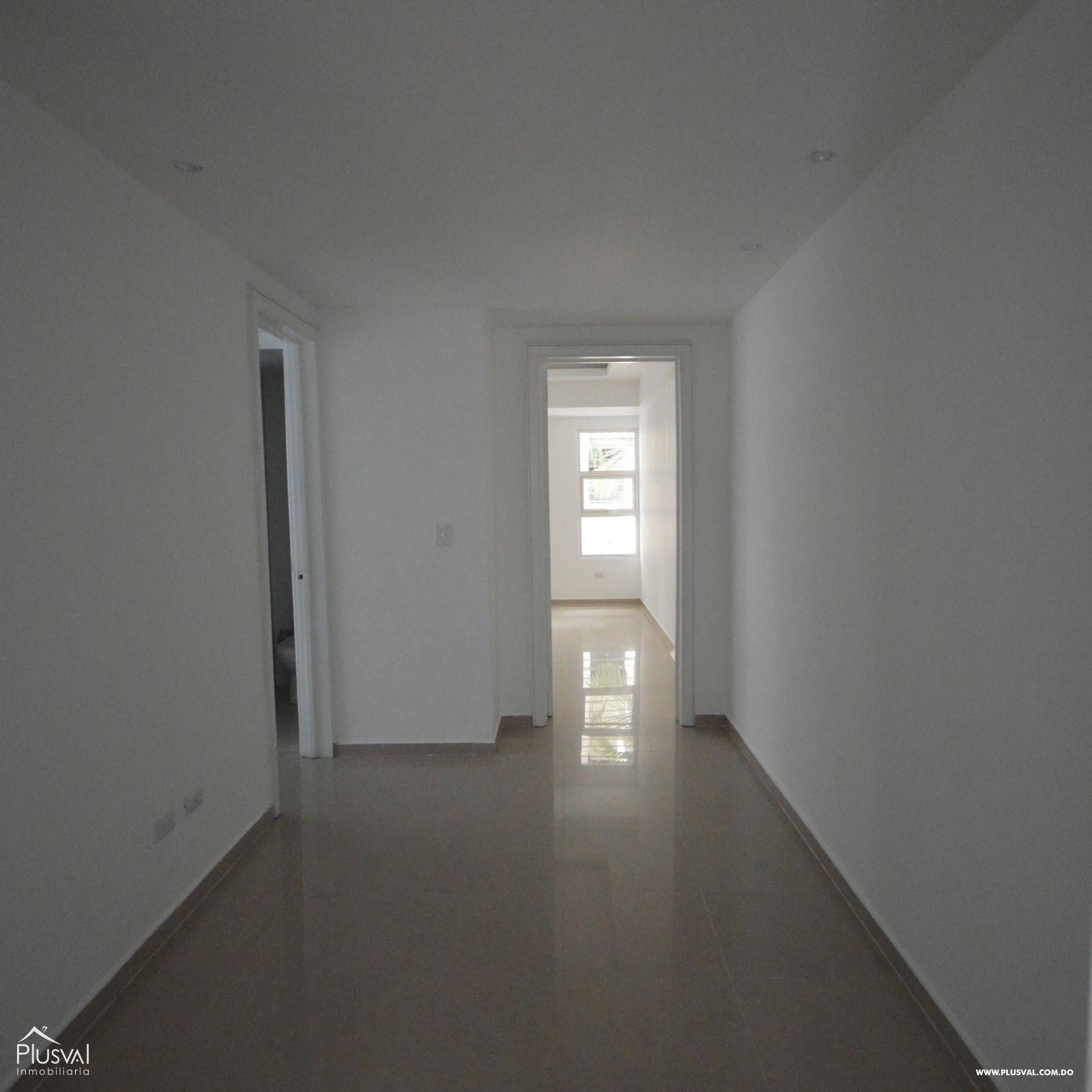 Amplio apartamento en alquiler, Evaristo Morales 174425