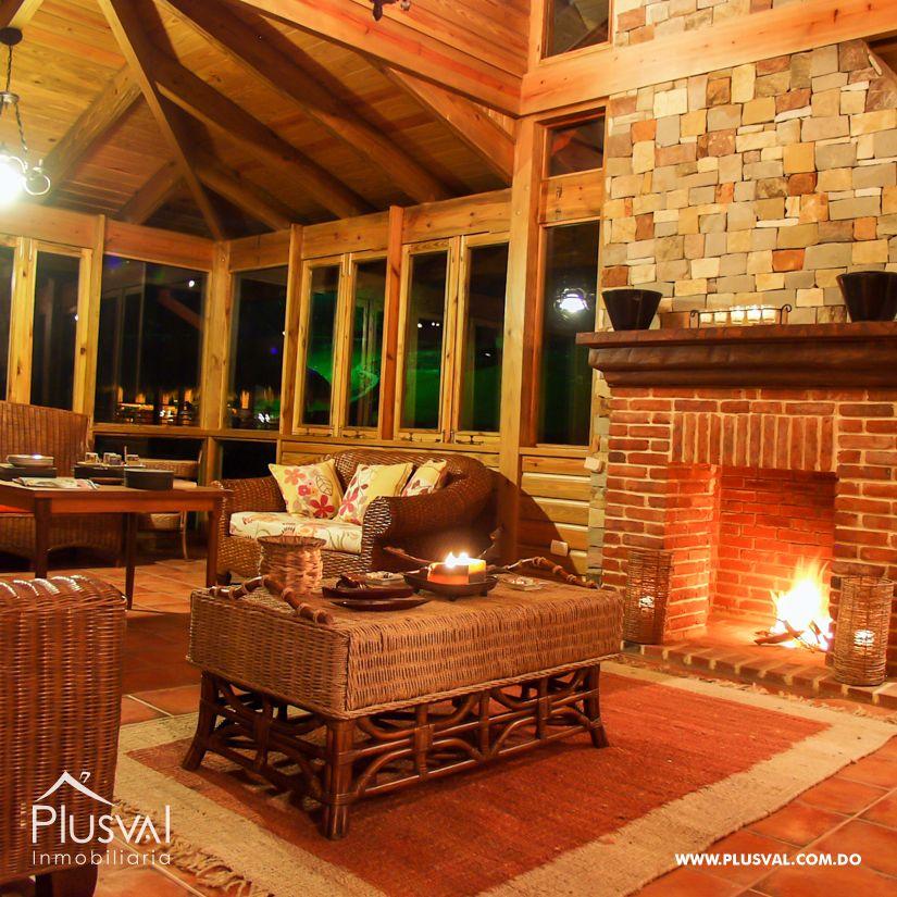 Villa en venta en Jarabacoa con amplios jardines 159874