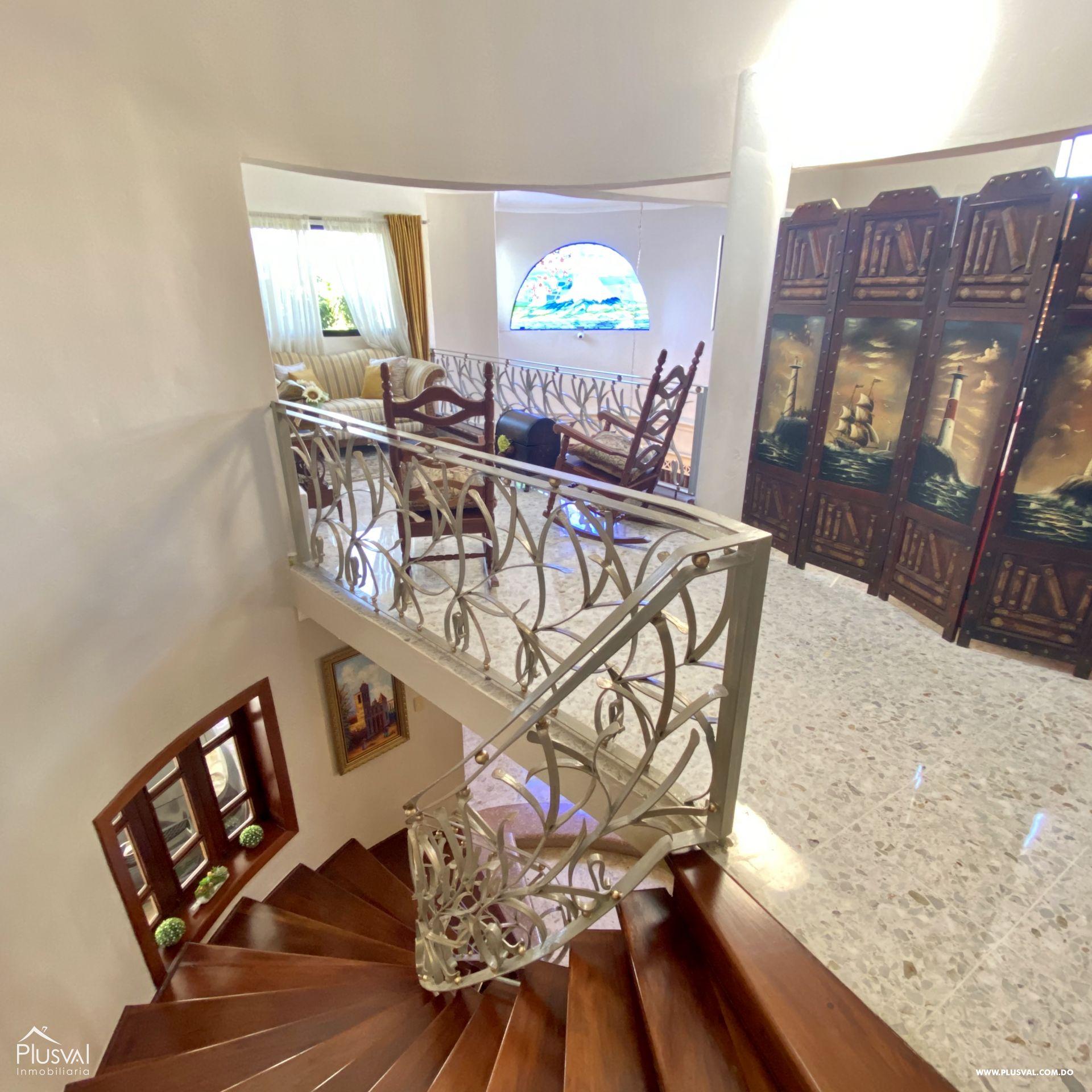 Casa en Venta de Dos Niveles en la Autopista San Isidro 151127