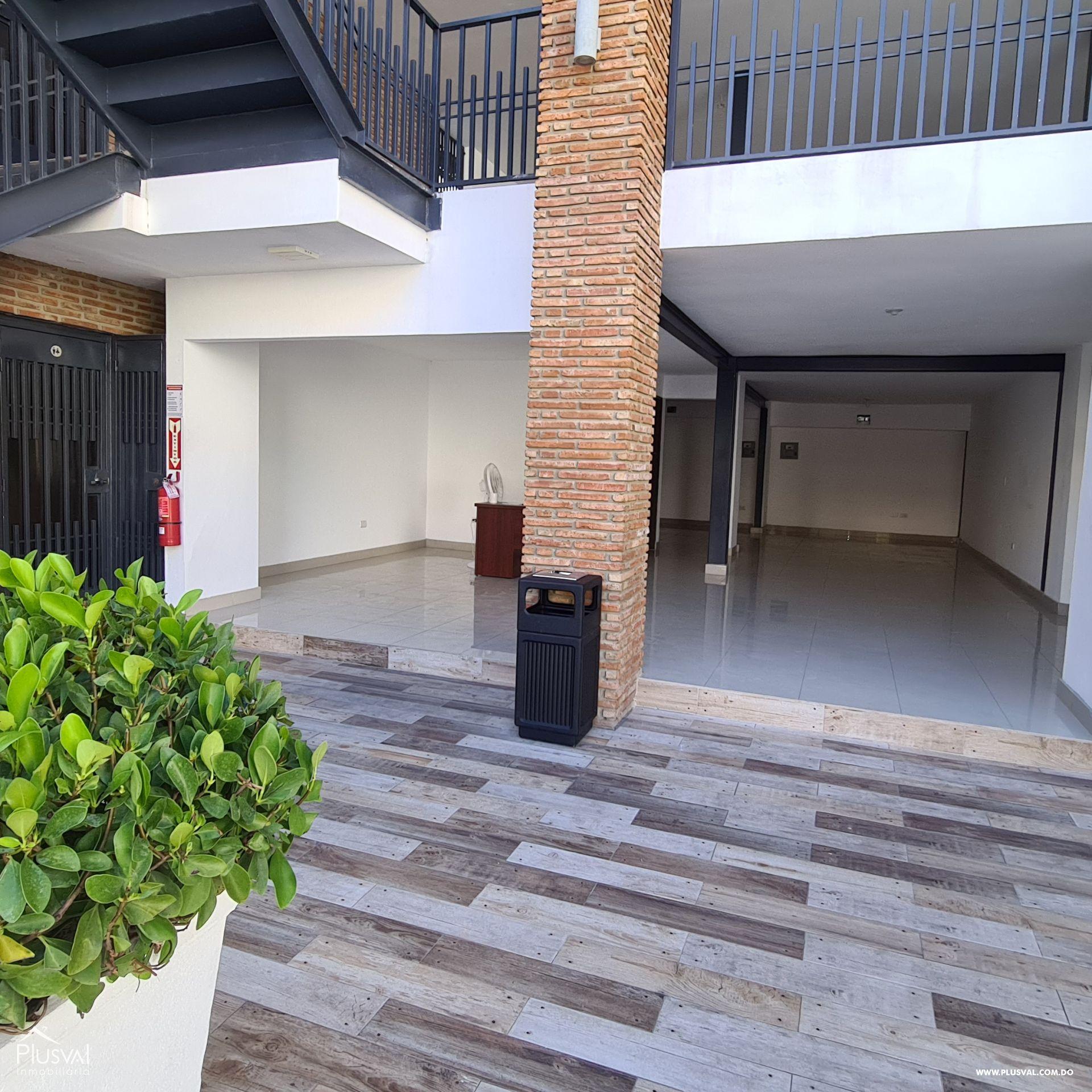 Plaza comercial con locales en alquiler, Piantini 172479