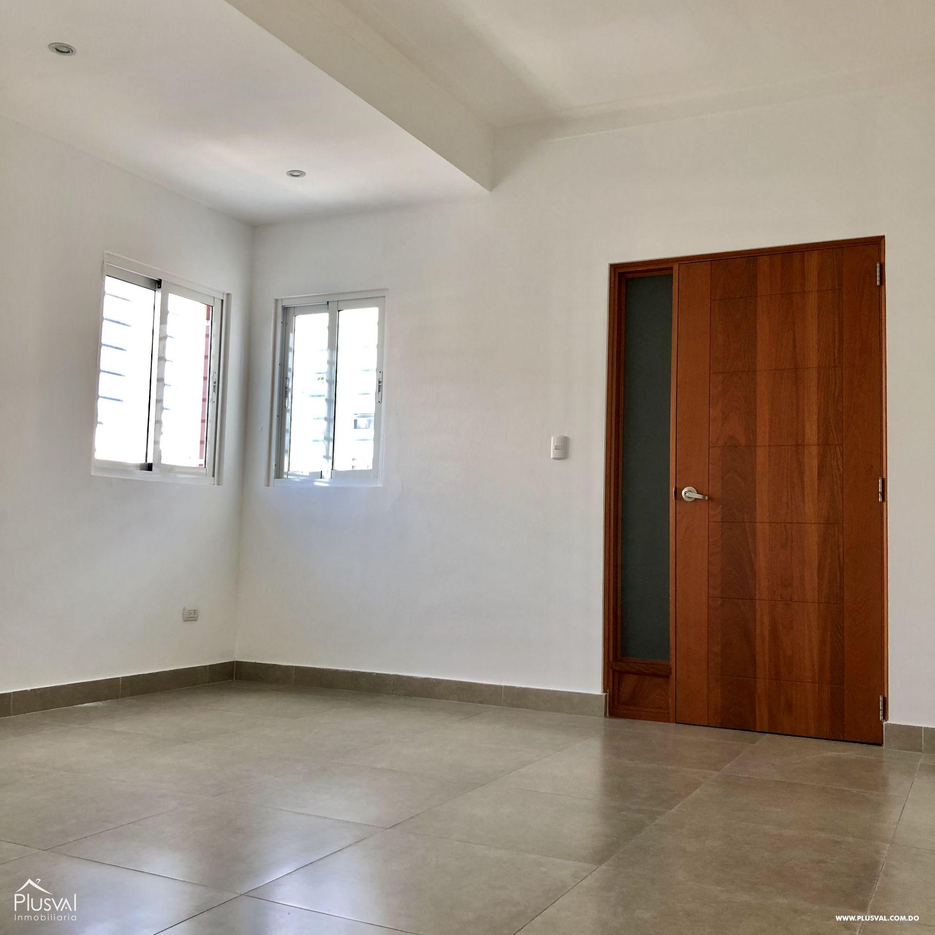 Apartamento 3 habitaciones en excelente zona en Evaristo Morales 159410