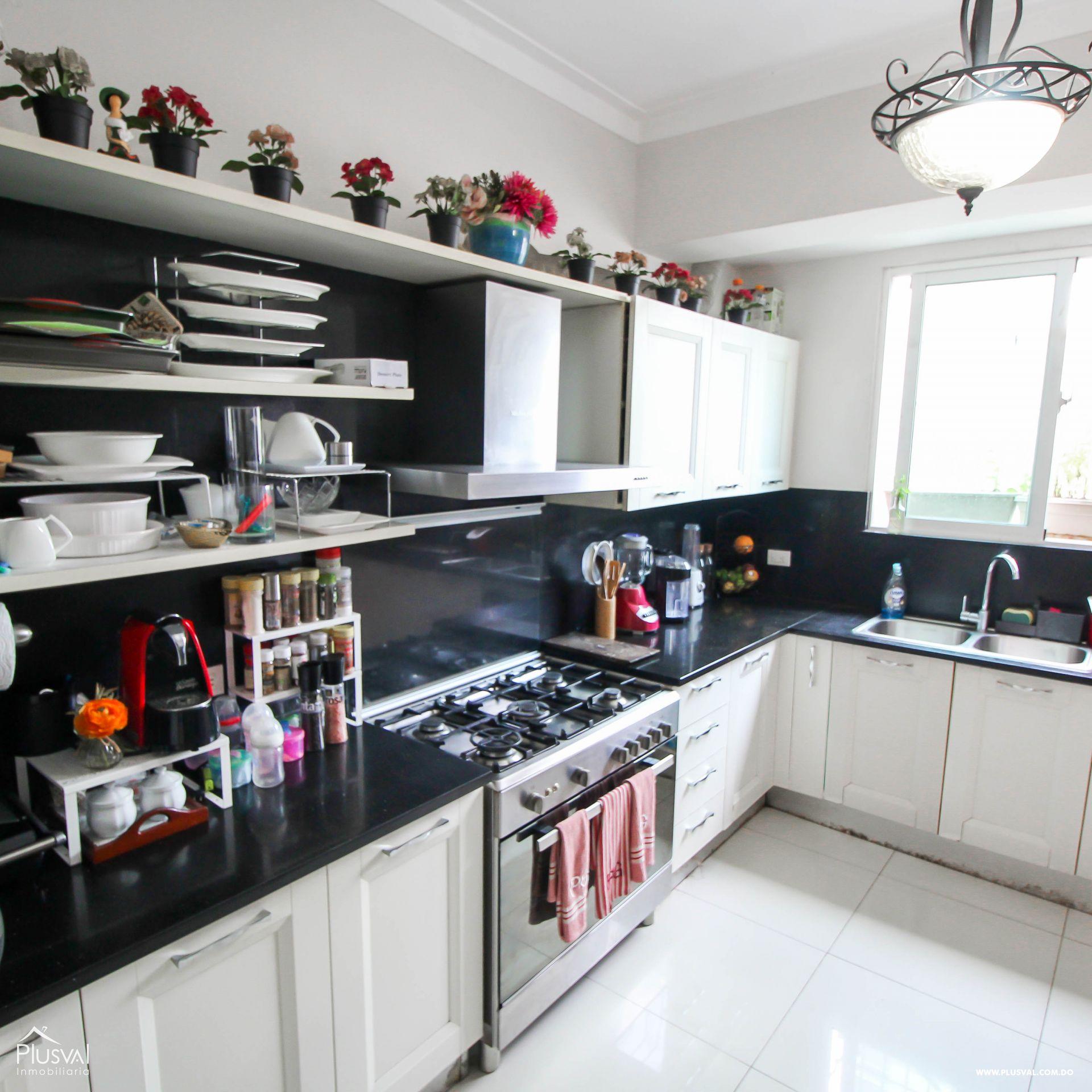 Apartamento en Venta con Terraza en Naco 157351