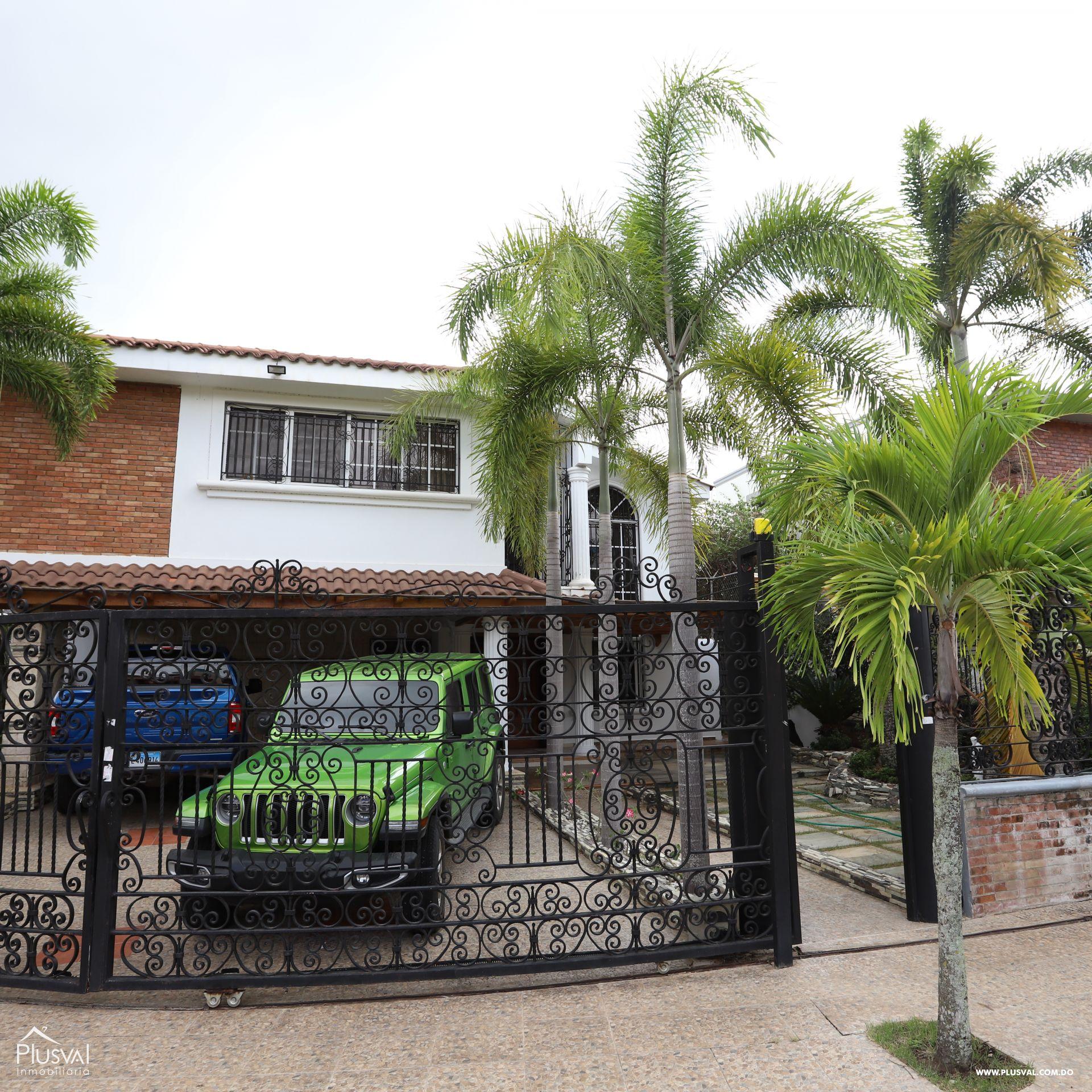 Hermosa residencia a la venta en Urb. Thomén