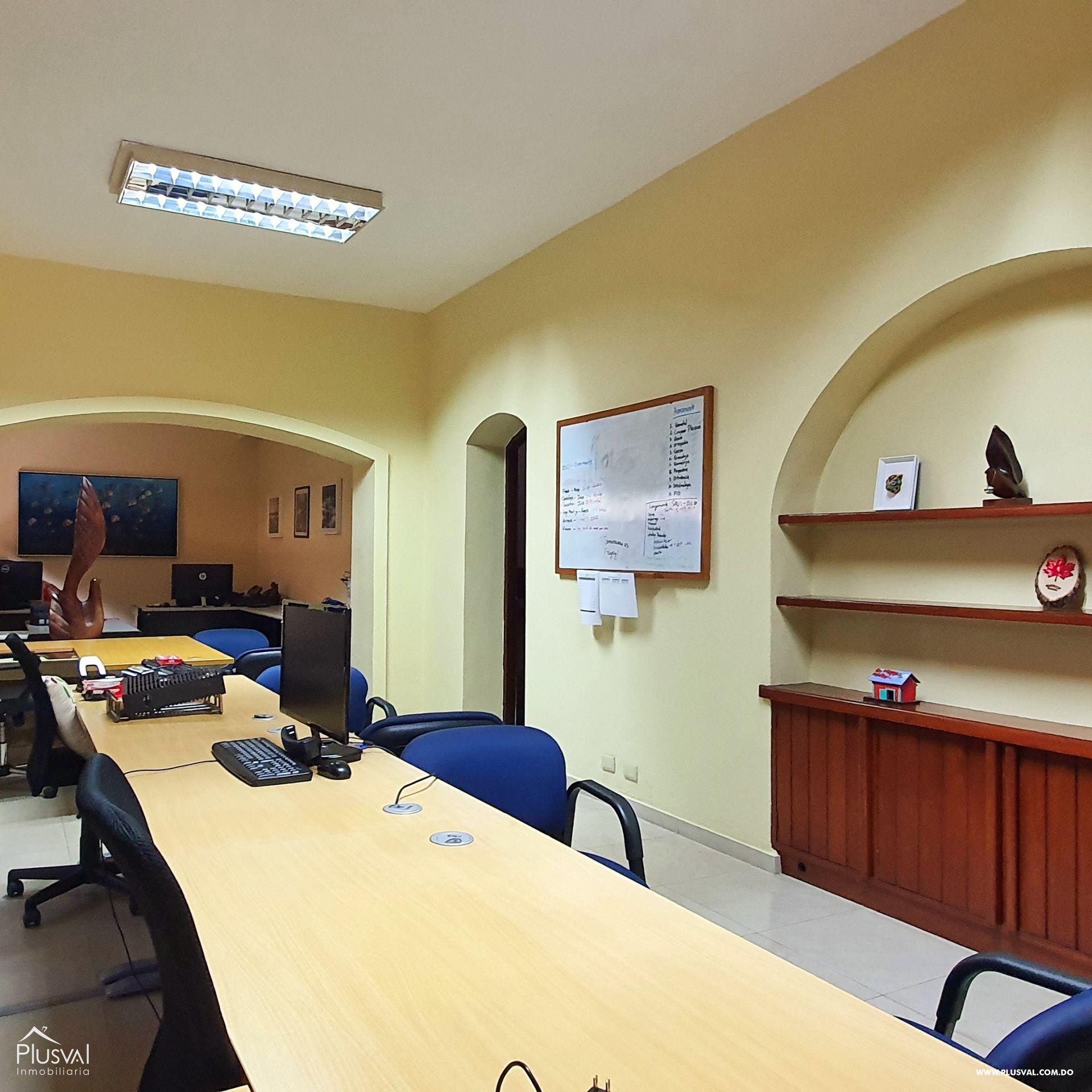 Alquiler edificio comercial 2 pisos en excelente zona Gazcue 165939