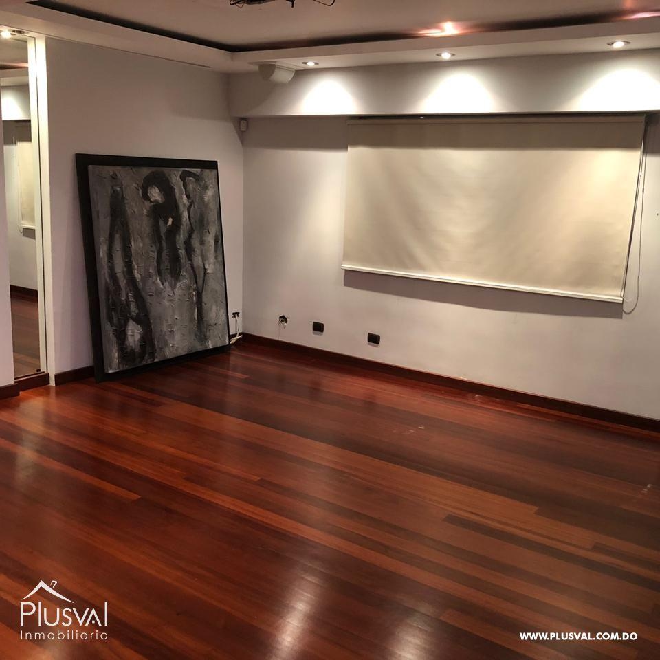 Apartamento en lo mejor de Piantini con estudio