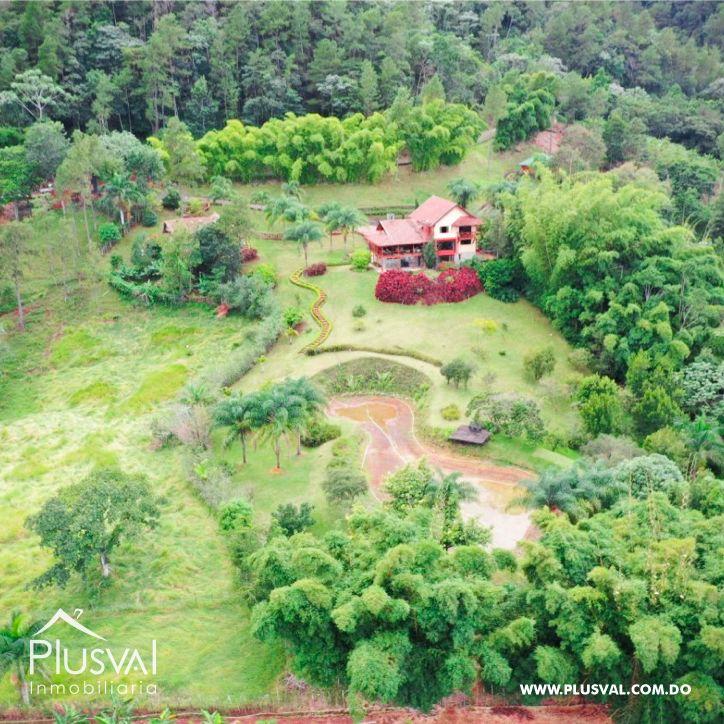 Villa en venta en Jarabacoa con amplios jardines 159865