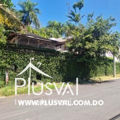 Hermosa y espaciosa casa en venta, Los Pinos de Arroyo Hondo