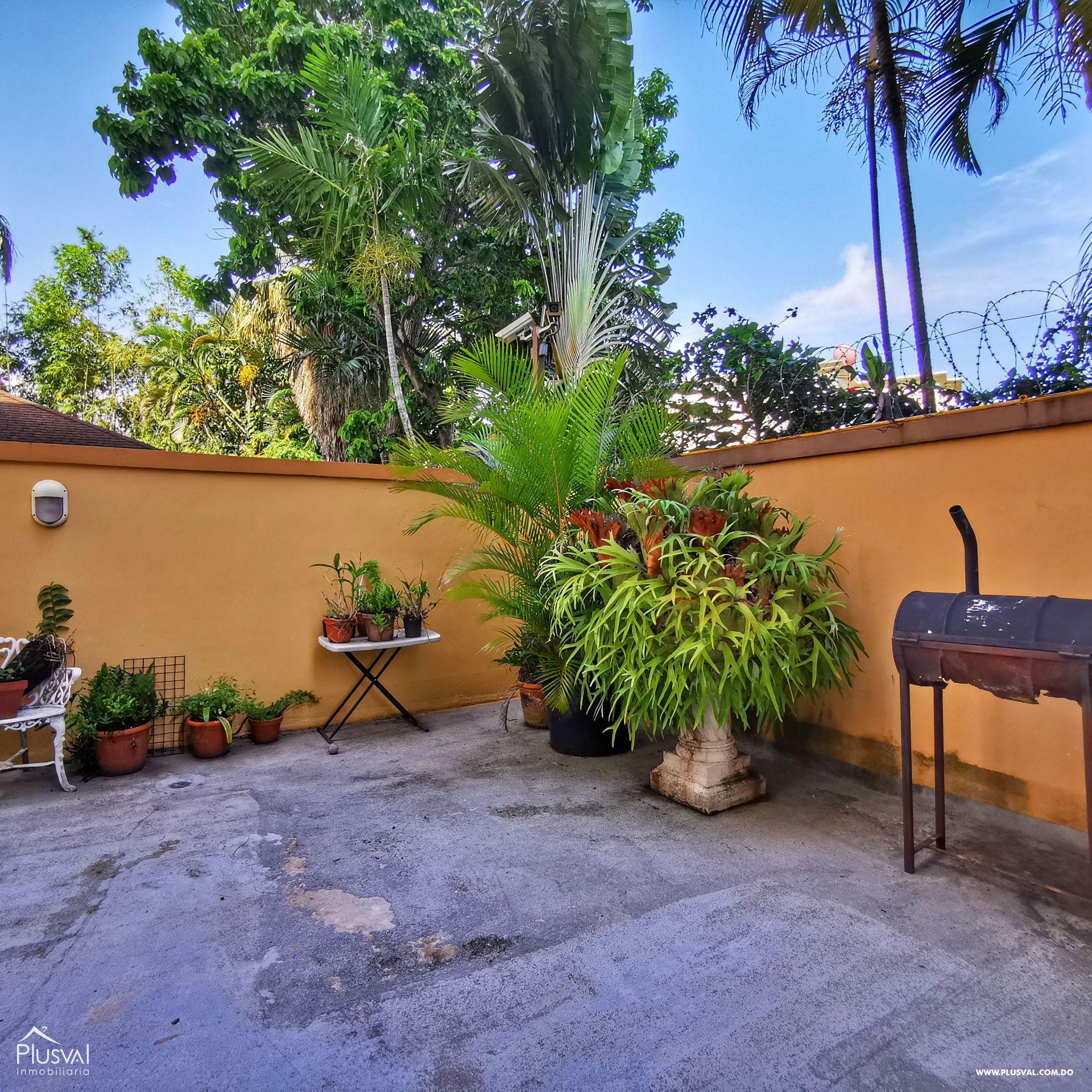 Apartamento con Patio Privado en Arroyo Hondo Viejo