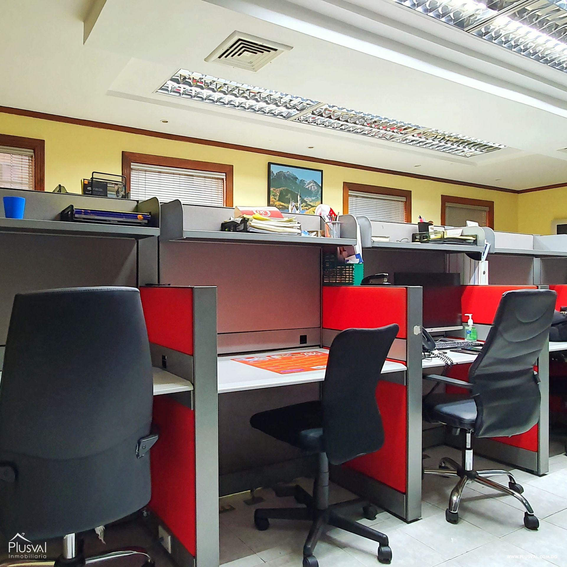 Alquiler edificio comercial 2 pisos en excelente zona Gazcue 165946