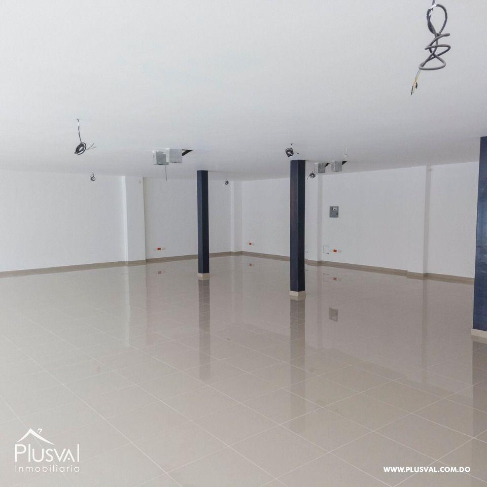 Plaza comercial con locales en alquiler, Piantini 164978