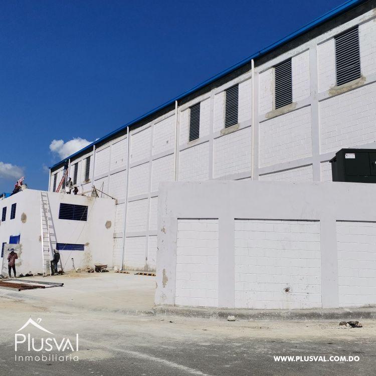 Gran Nave Industrial en Venta. Próximo Autopista Duarte 191383