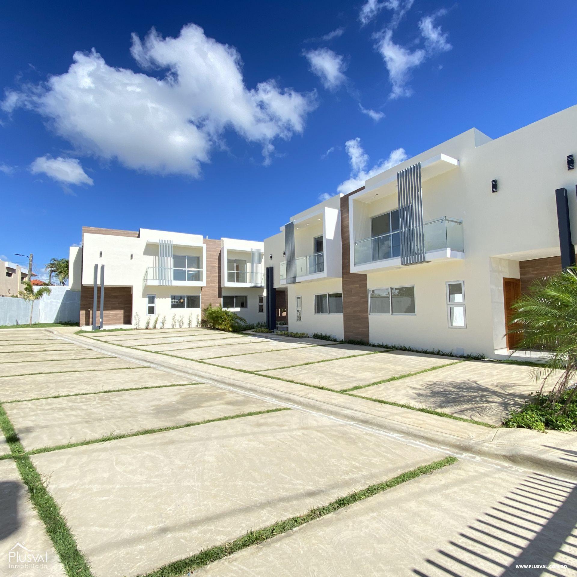 Centrico Townhouse en venta, Higüey