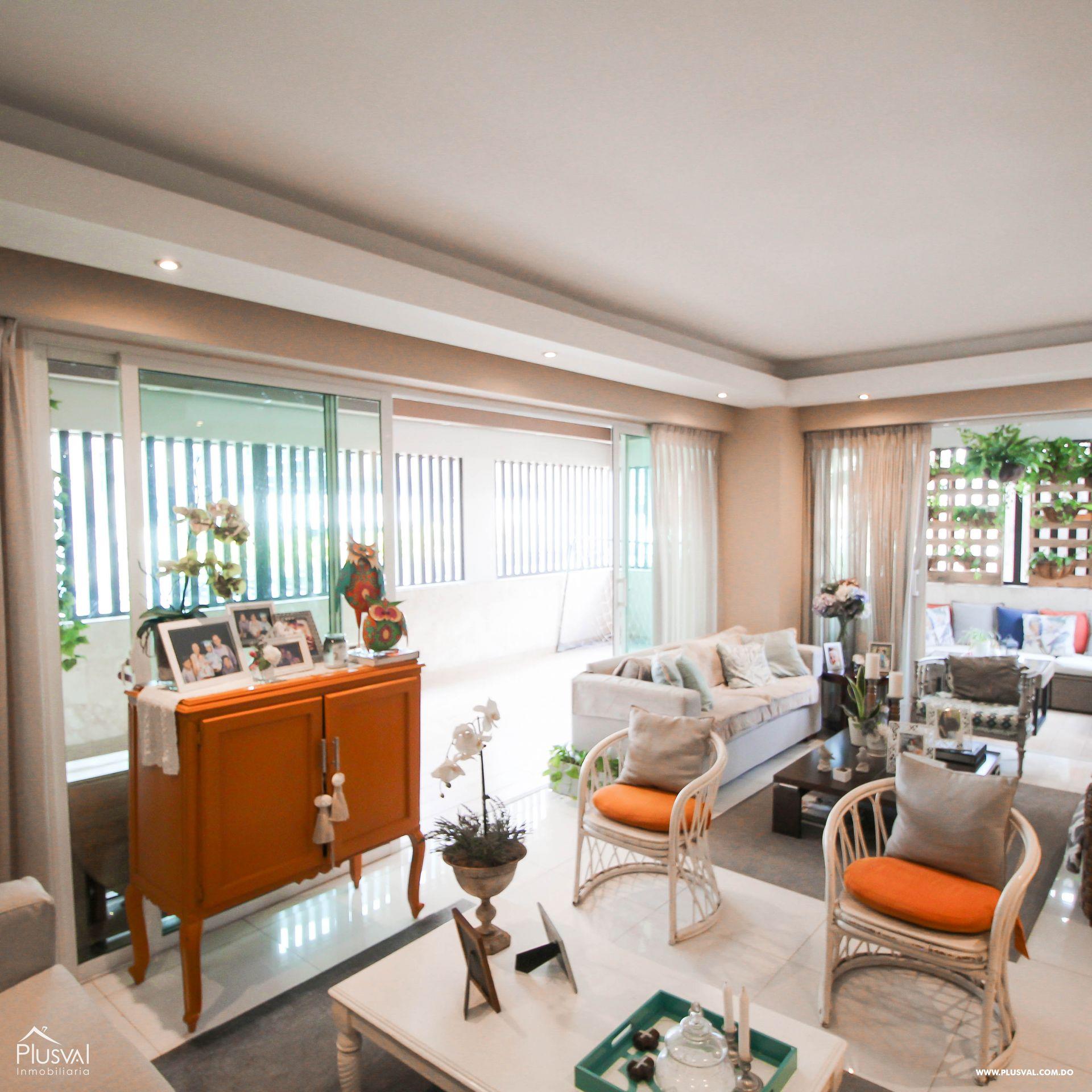 Apartamento en Venta con Terraza en Naco 157346