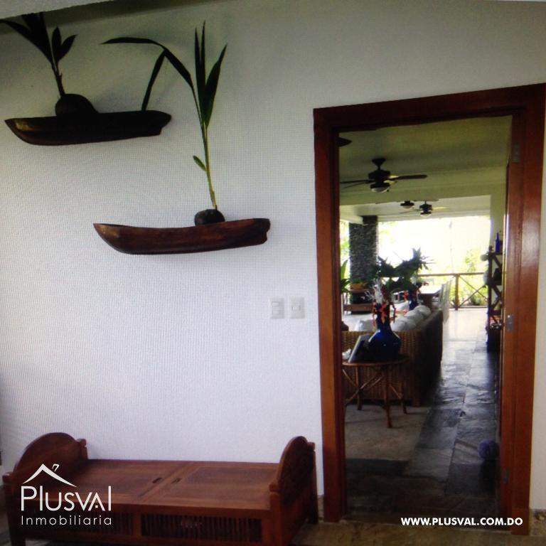Amplio y luminoso apartamento, excelente ubicación en primera linea de playa con terraza y jacuzzi 176038