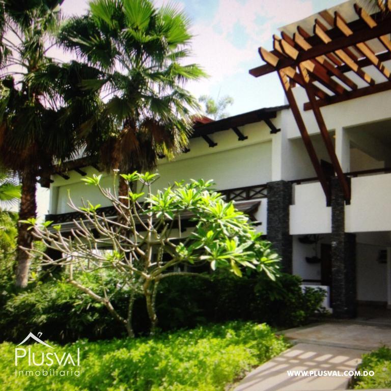 Amplio y luminoso apartamento, excelente ubicación en primera linea de playa con terraza y jacuzzi 176031