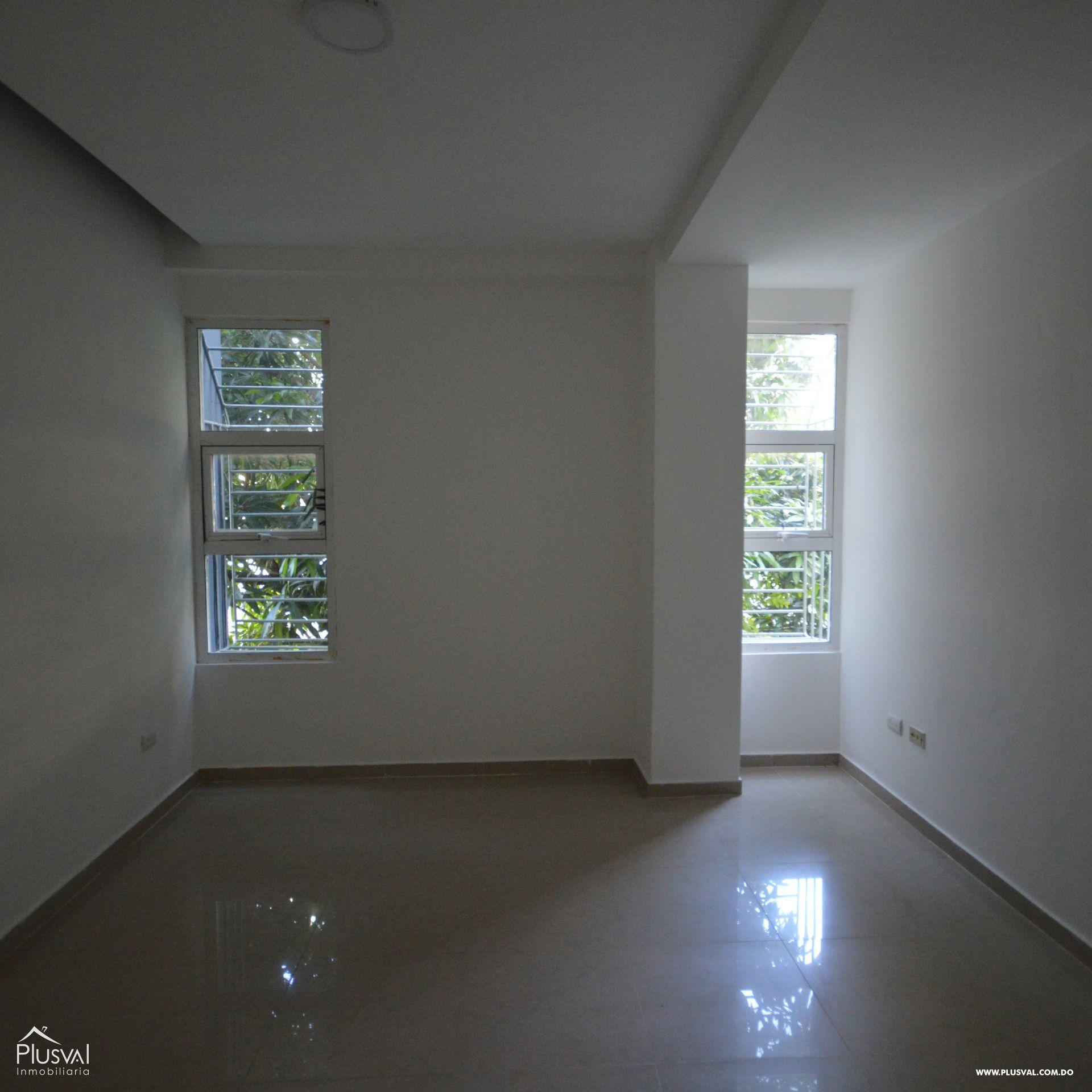 Amplio apartamento en alquiler, Evaristo Morales 174427