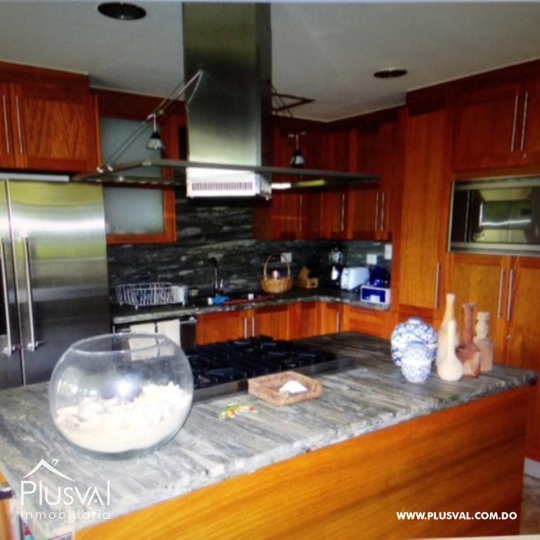 Amplio y luminoso apartamento, excelente ubicación en primera linea de playa con terraza y jacuzzi 176044
