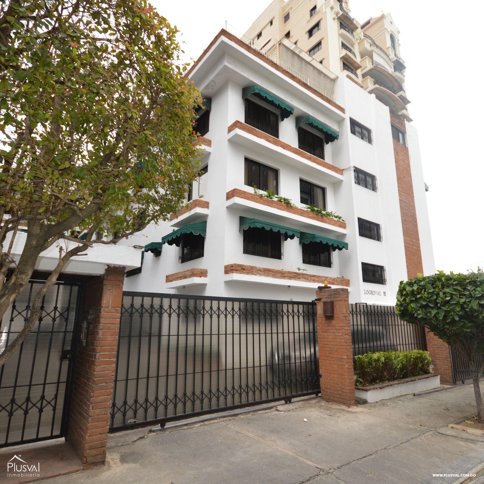 Amplio apartamento en venta, Serrallés