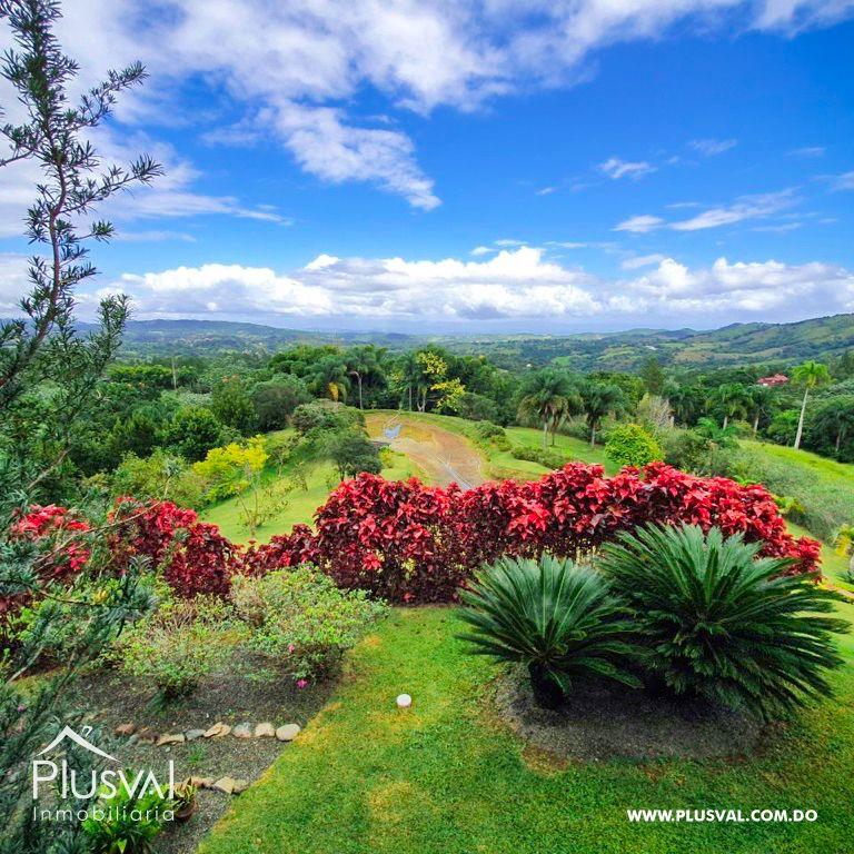 Villa en venta en Jarabacoa con amplios jardines 159866
