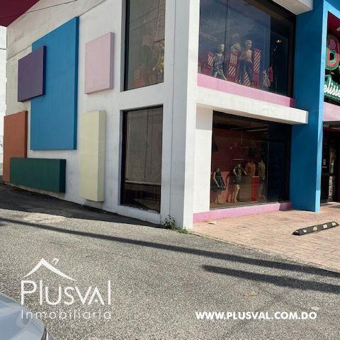 Edificio en alquiler en el sector de Naco( Ivelisse Kids)
