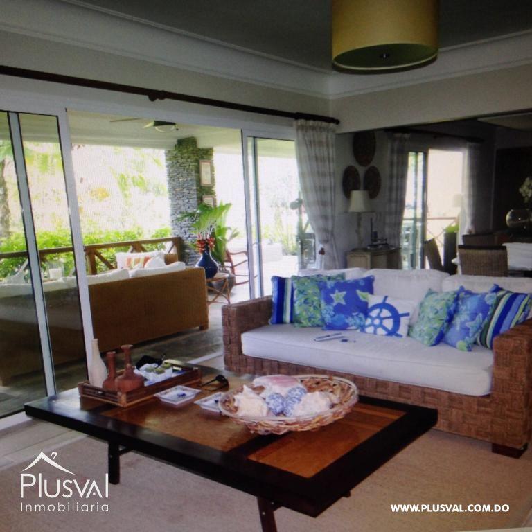 Amplio y luminoso apartamento, excelente ubicación en primera linea de playa con terraza y jacuzzi 176041