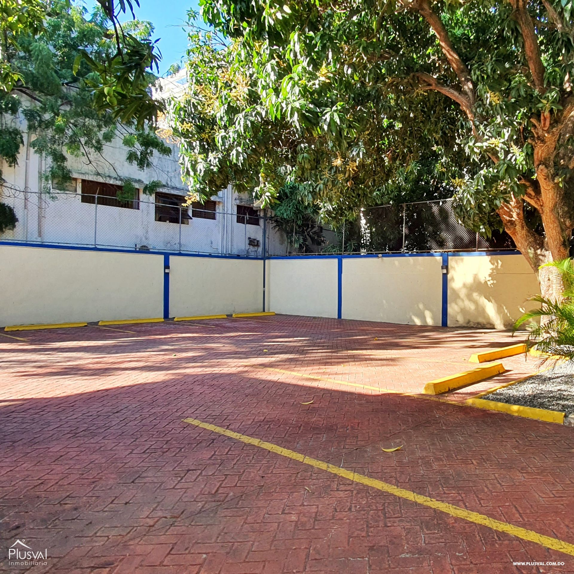 Alquiler edificio comercial 2 pisos en excelente zona Gazcue 165943