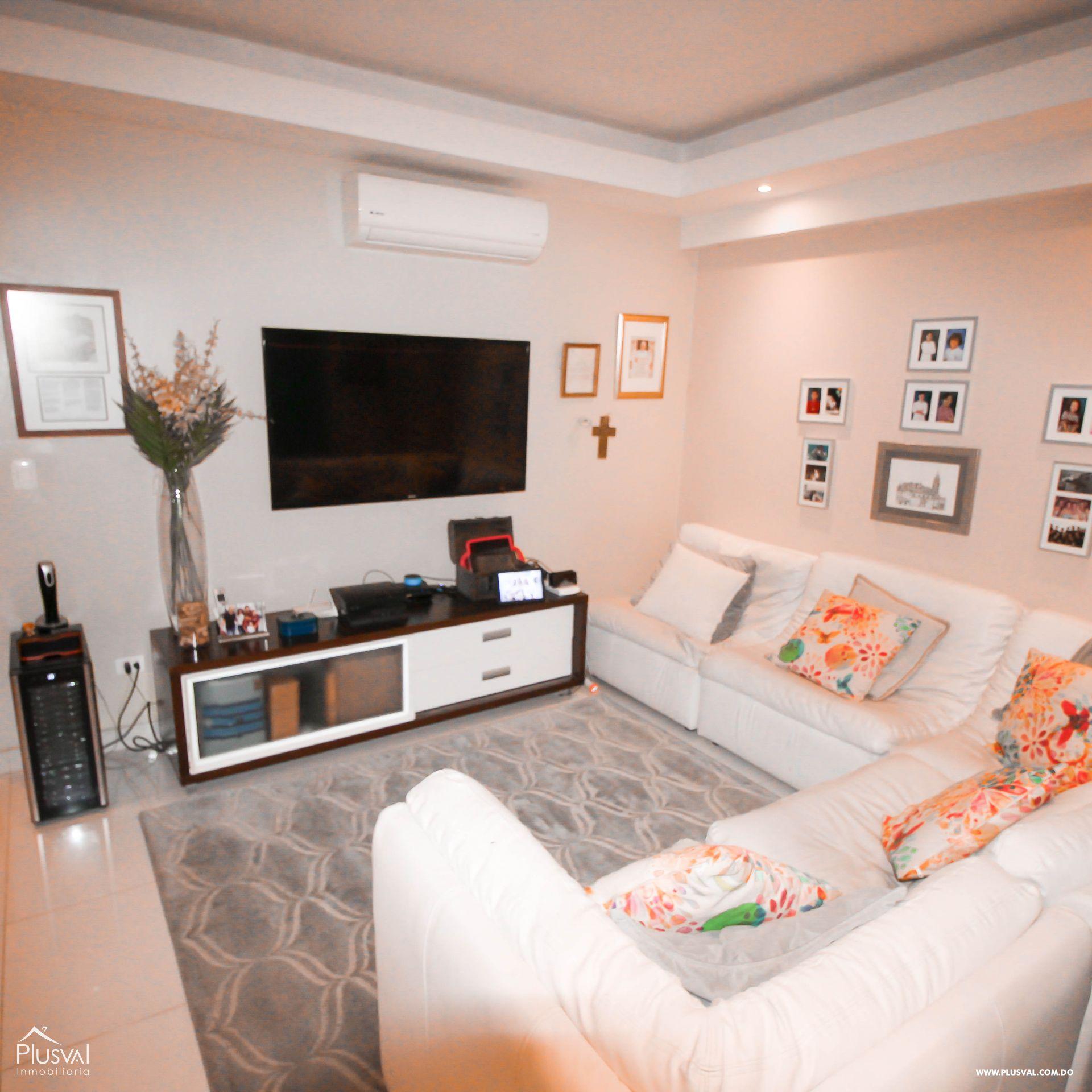 Apartamento en Venta con Terraza en Naco 157352