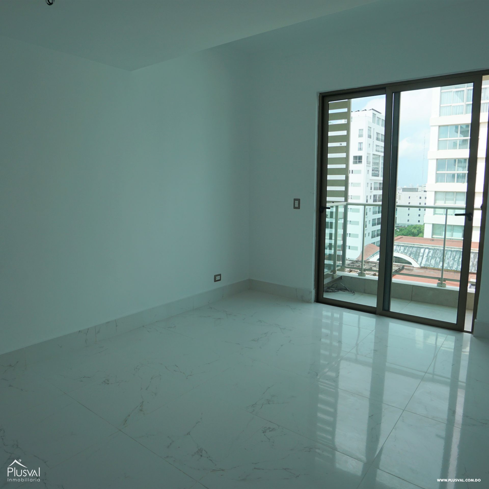 Apartamento en alquiler con linea blanca en Piantini 183089