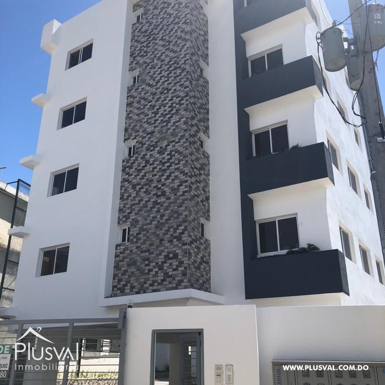 Residencial de apartamentos cerca de la Prolongación 27 de Febrero.