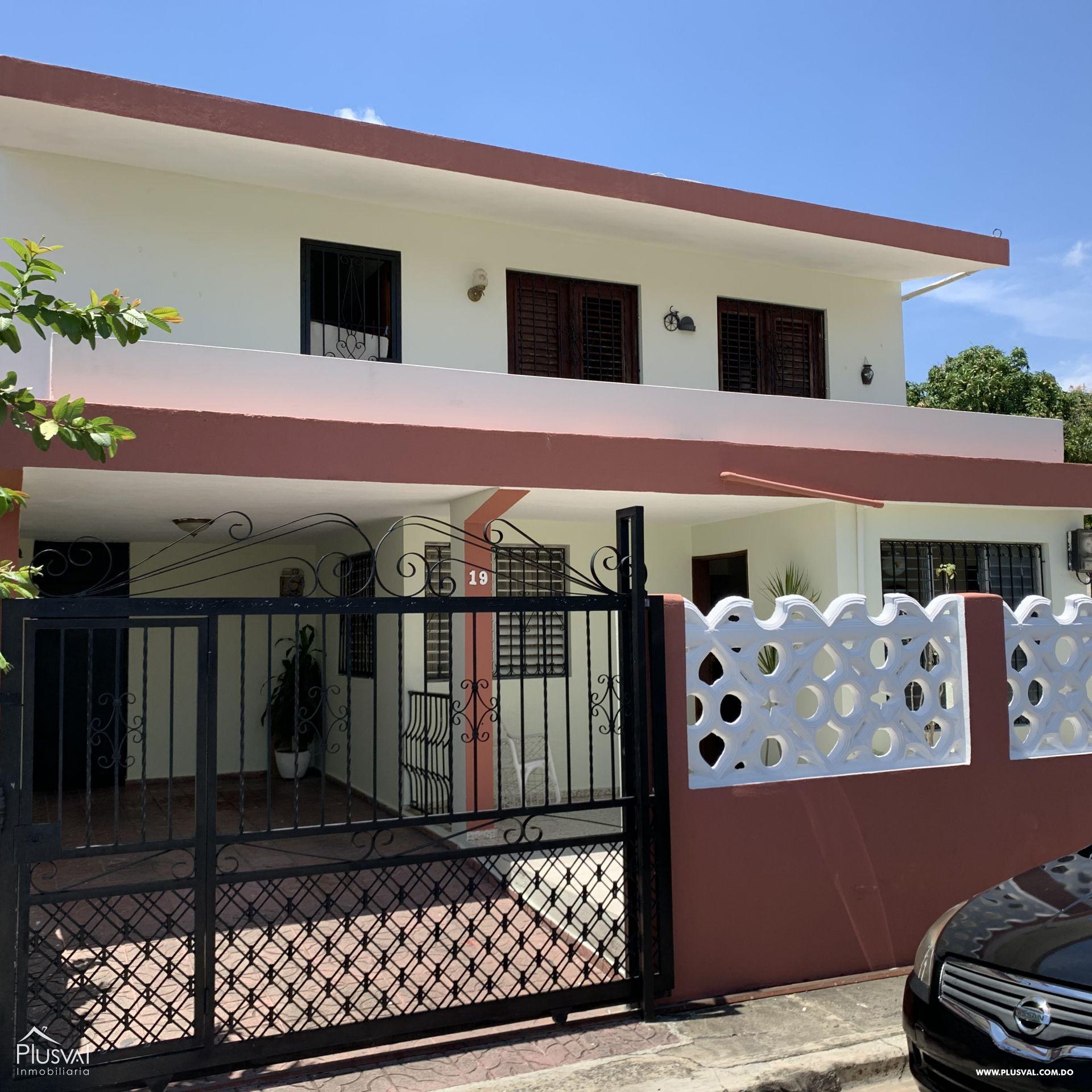 Amplia Casa en Buena Vista I, Santo Domingo Norte