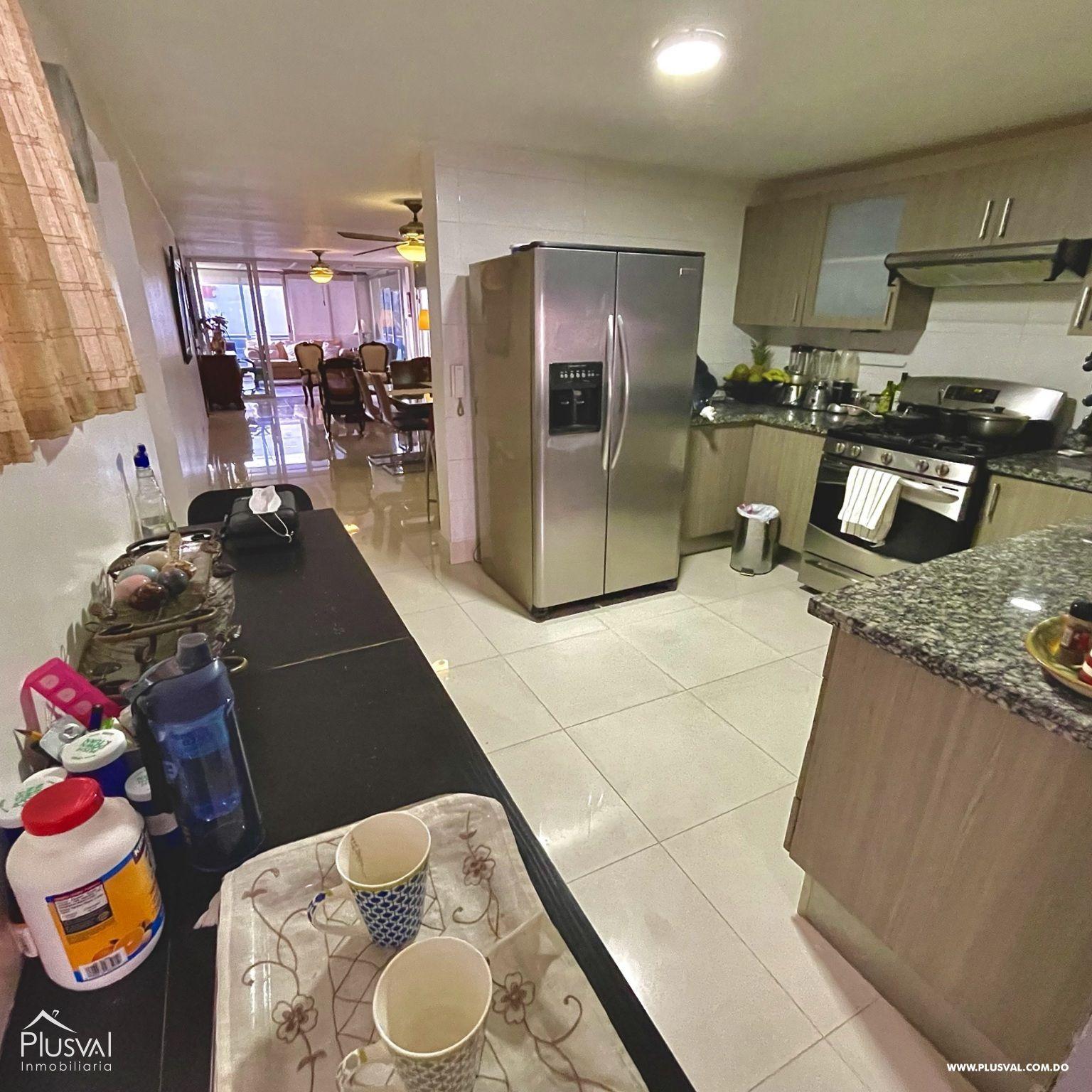 Apartamento Moderno con Terraza con Excelente Localización en Arroyo Hondo 188890