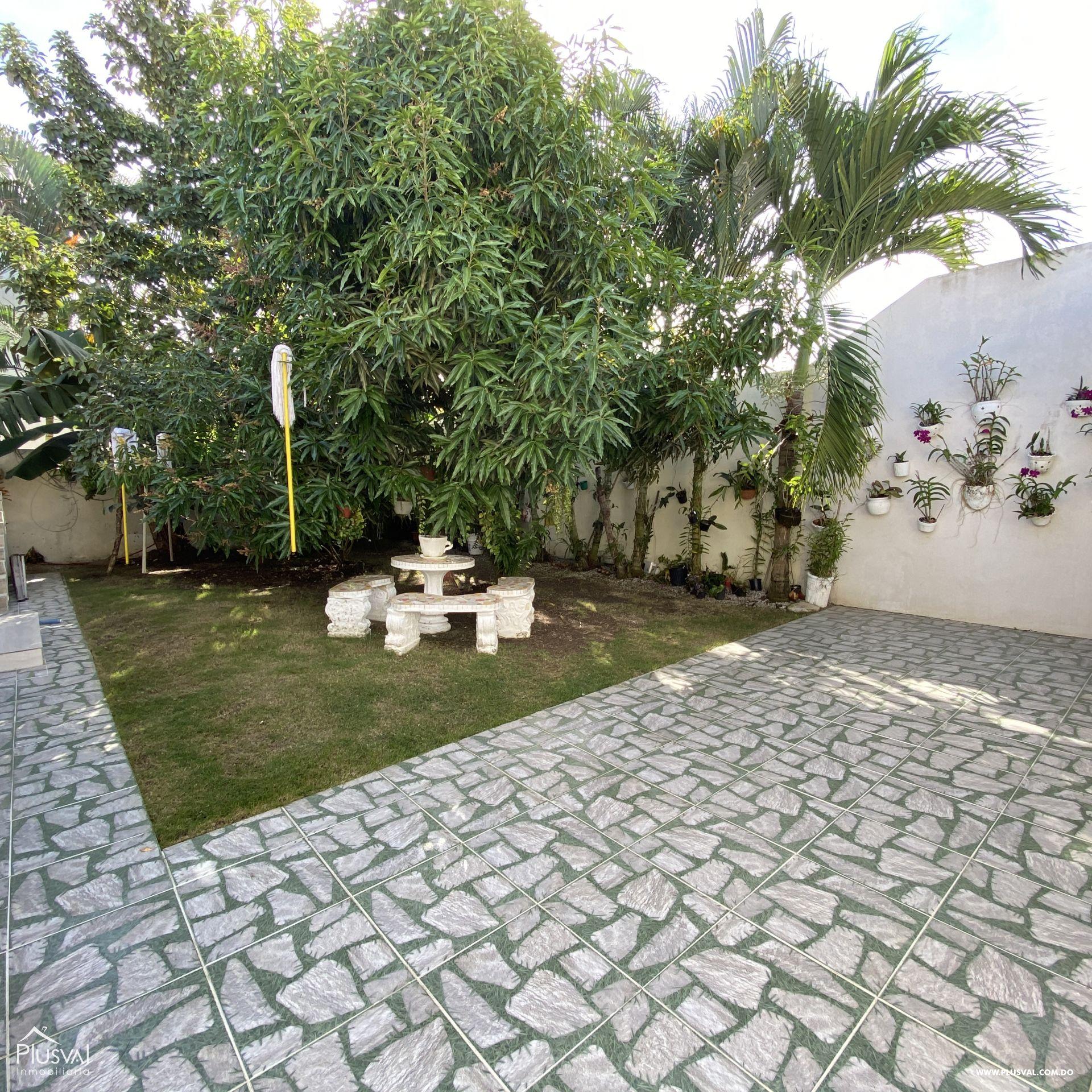 Casa en venta, en Higüey 162123