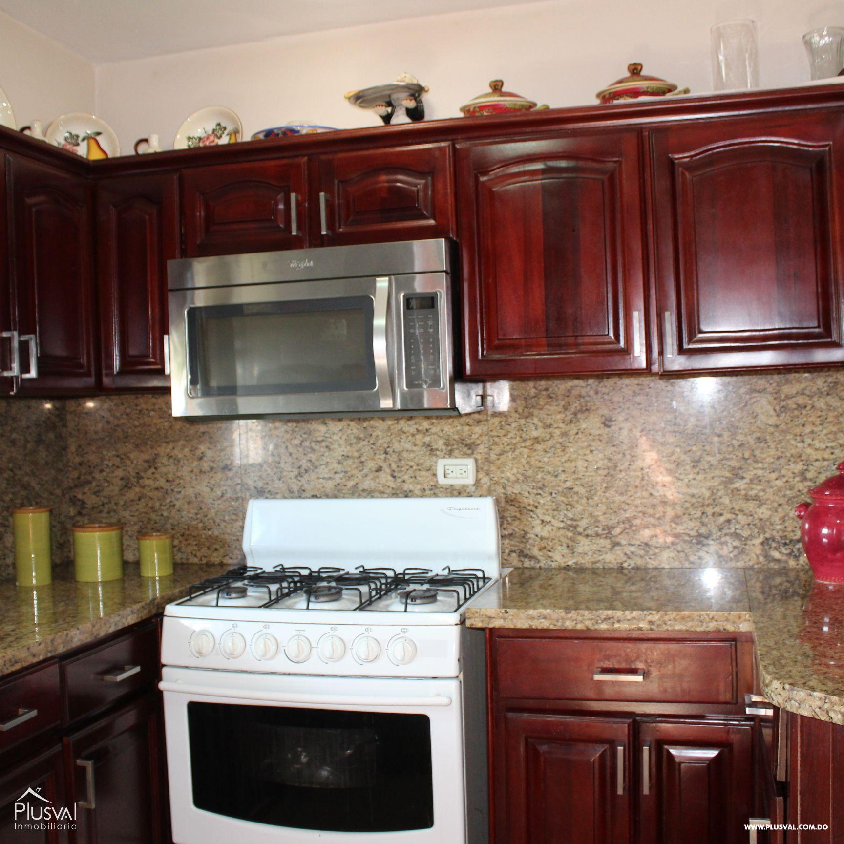 Hermoso Apartamento tipo PH en Venta en Evaristo Morales! 157297