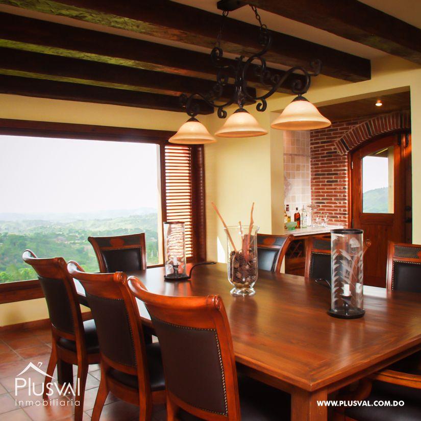 Villa en venta en Jarabacoa con amplios jardines 159873