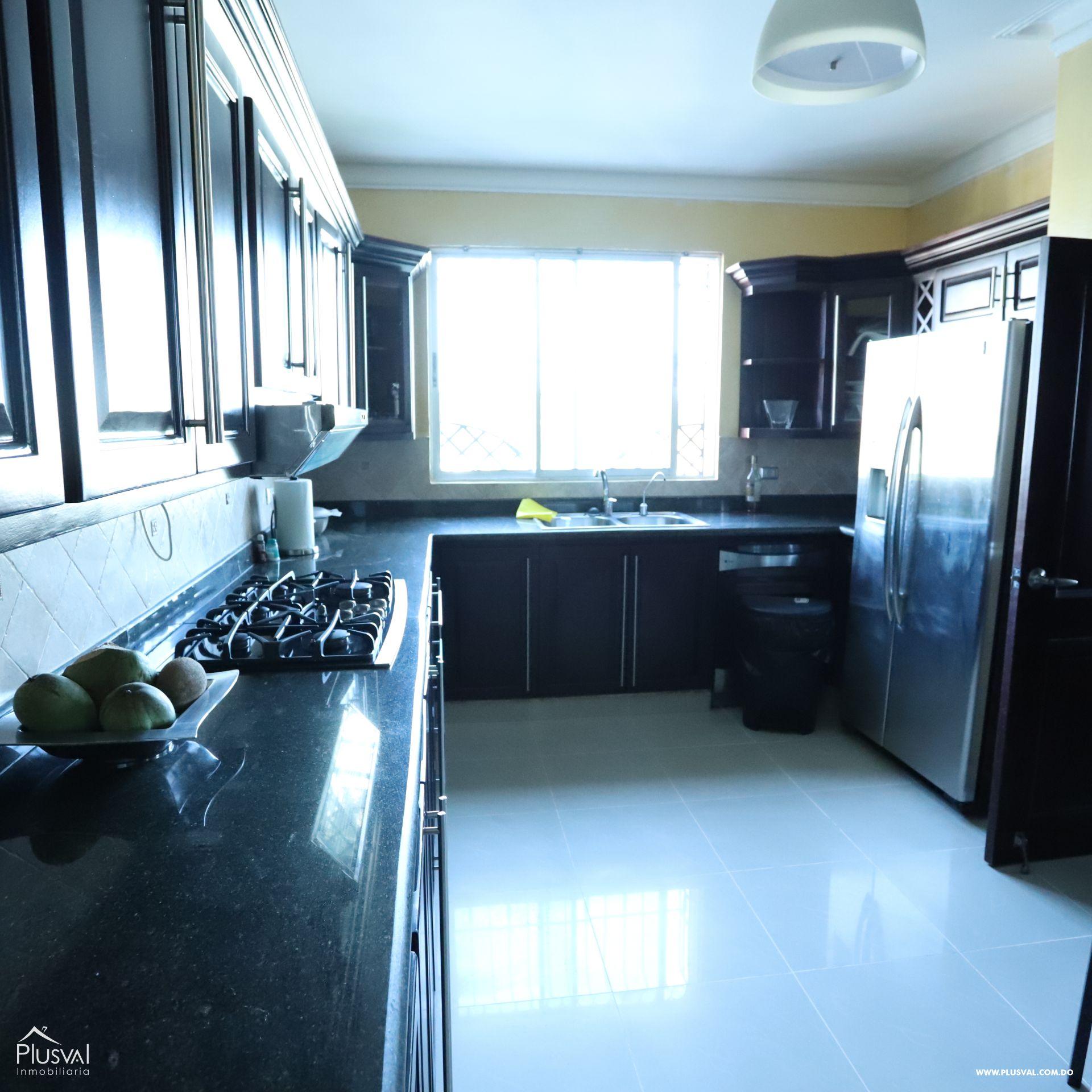 Apartamento ubicado en un 6to nivel con excelente vista hacia el monumeto 187717