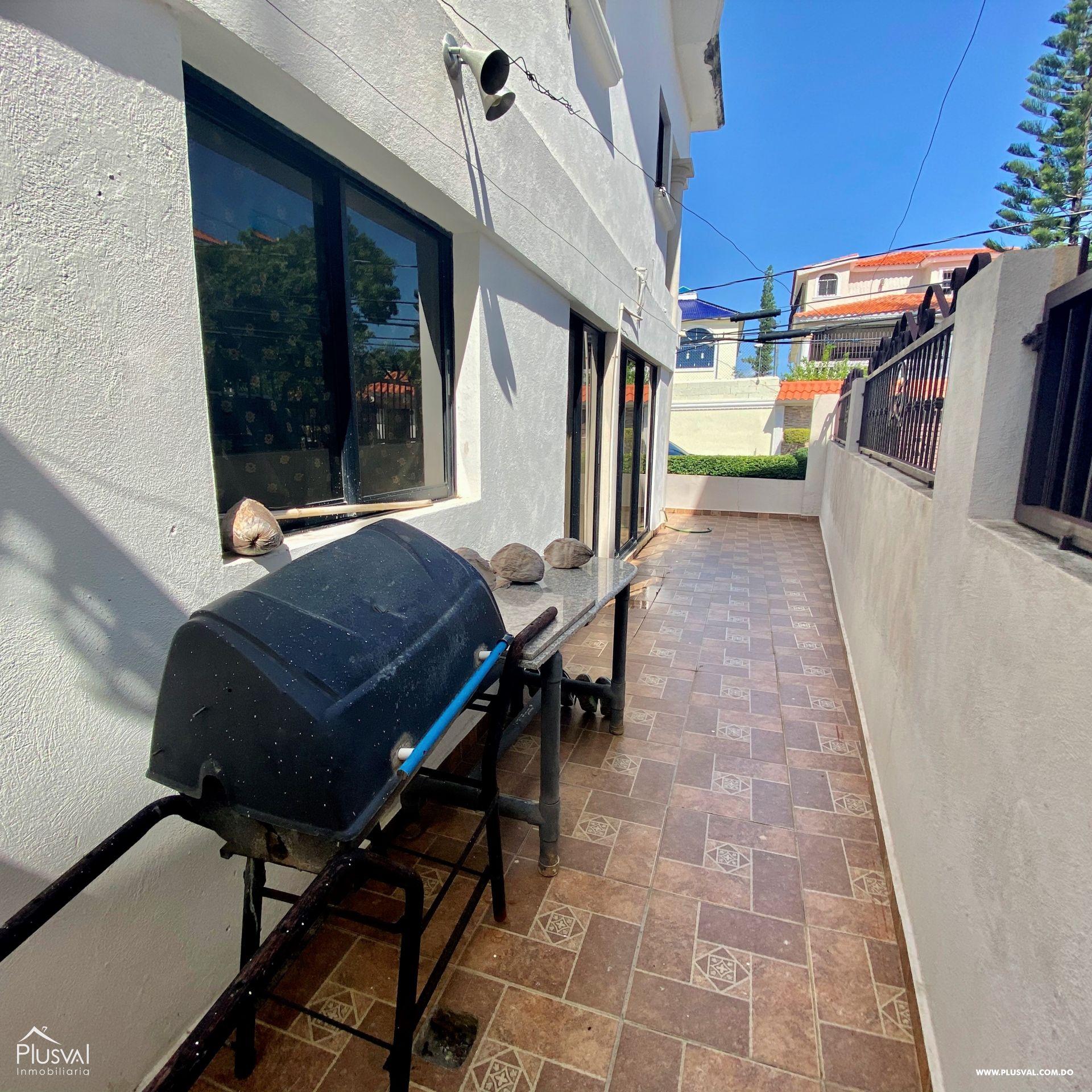 Casa en Venta de Dos Niveles en la Autopista San Isidro 151139