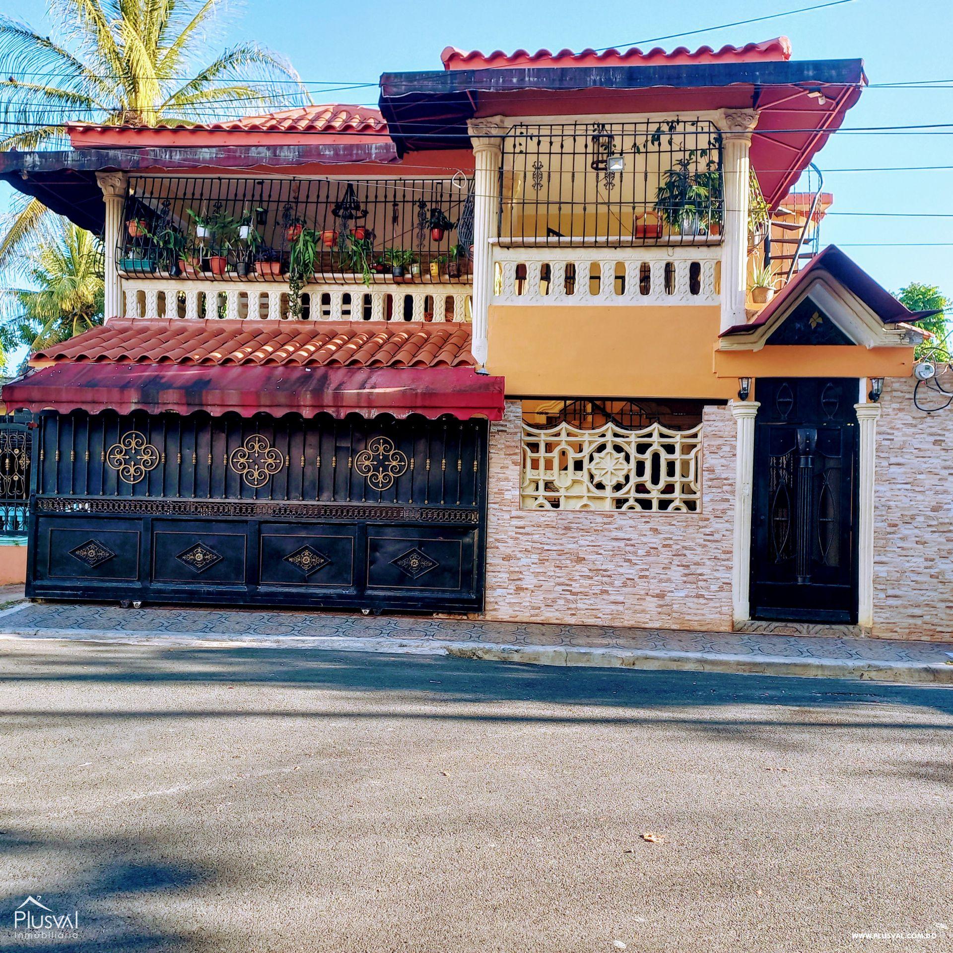 Casa de dos nivel Santo Domingo Este 189580