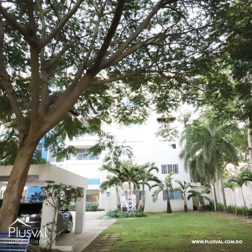 Apartamento en Nivel 06 en Residencial Cerrado en Carretera Duarte