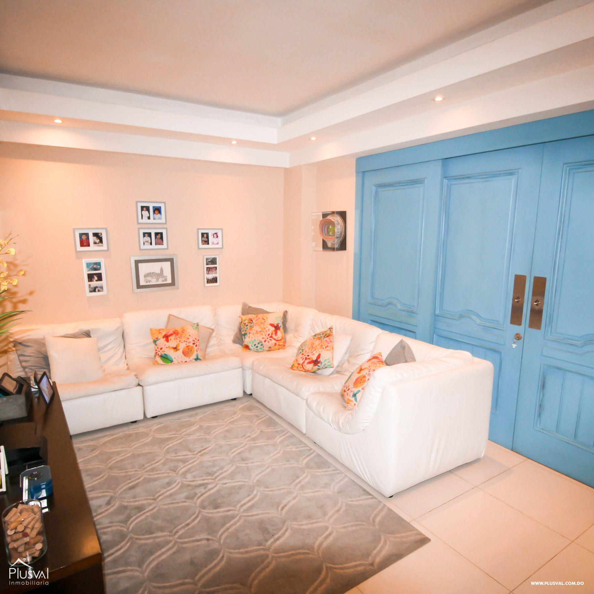 Apartamento en Venta con Terraza en Naco 157354