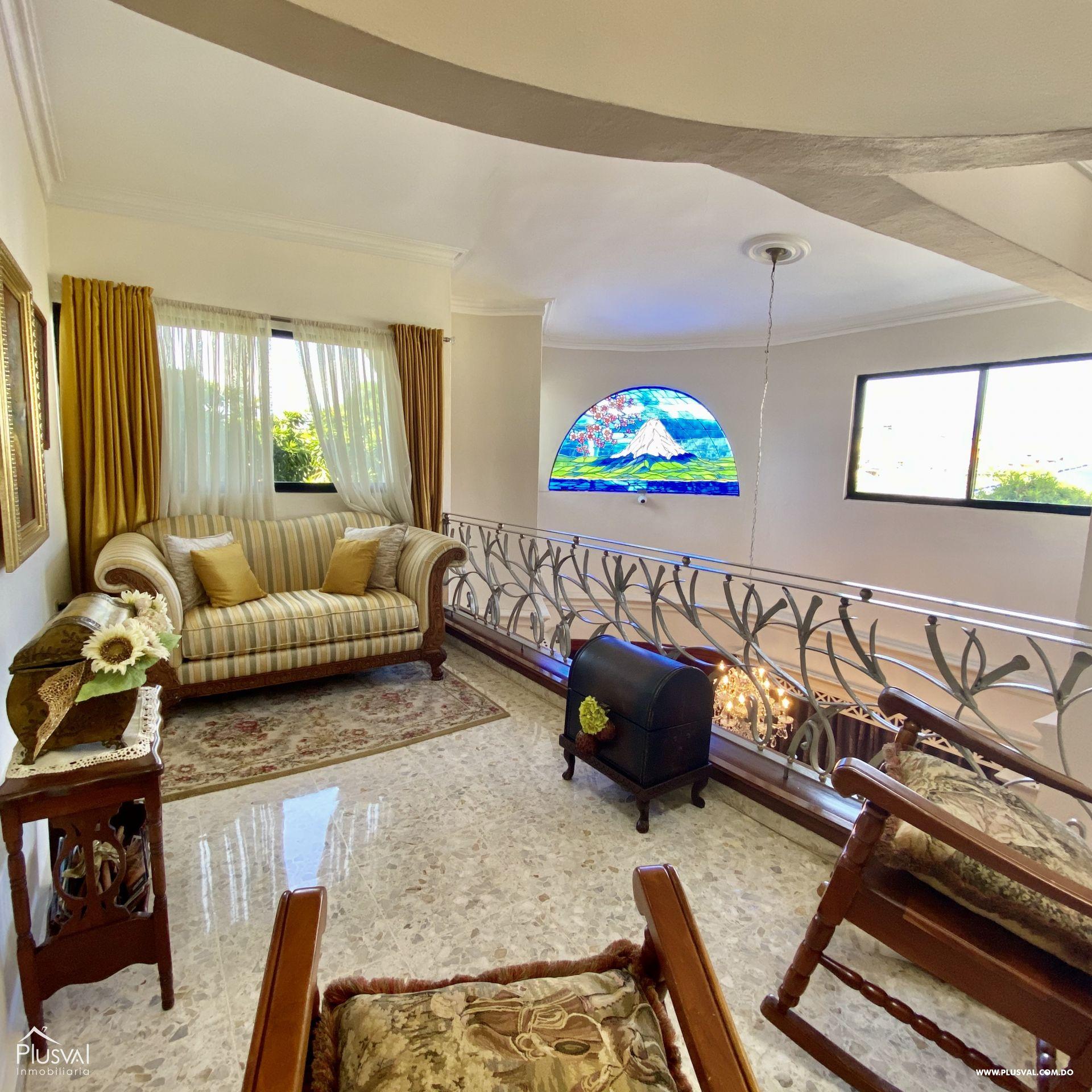 Casa en Venta de Dos Niveles en la Autopista San Isidro 151126
