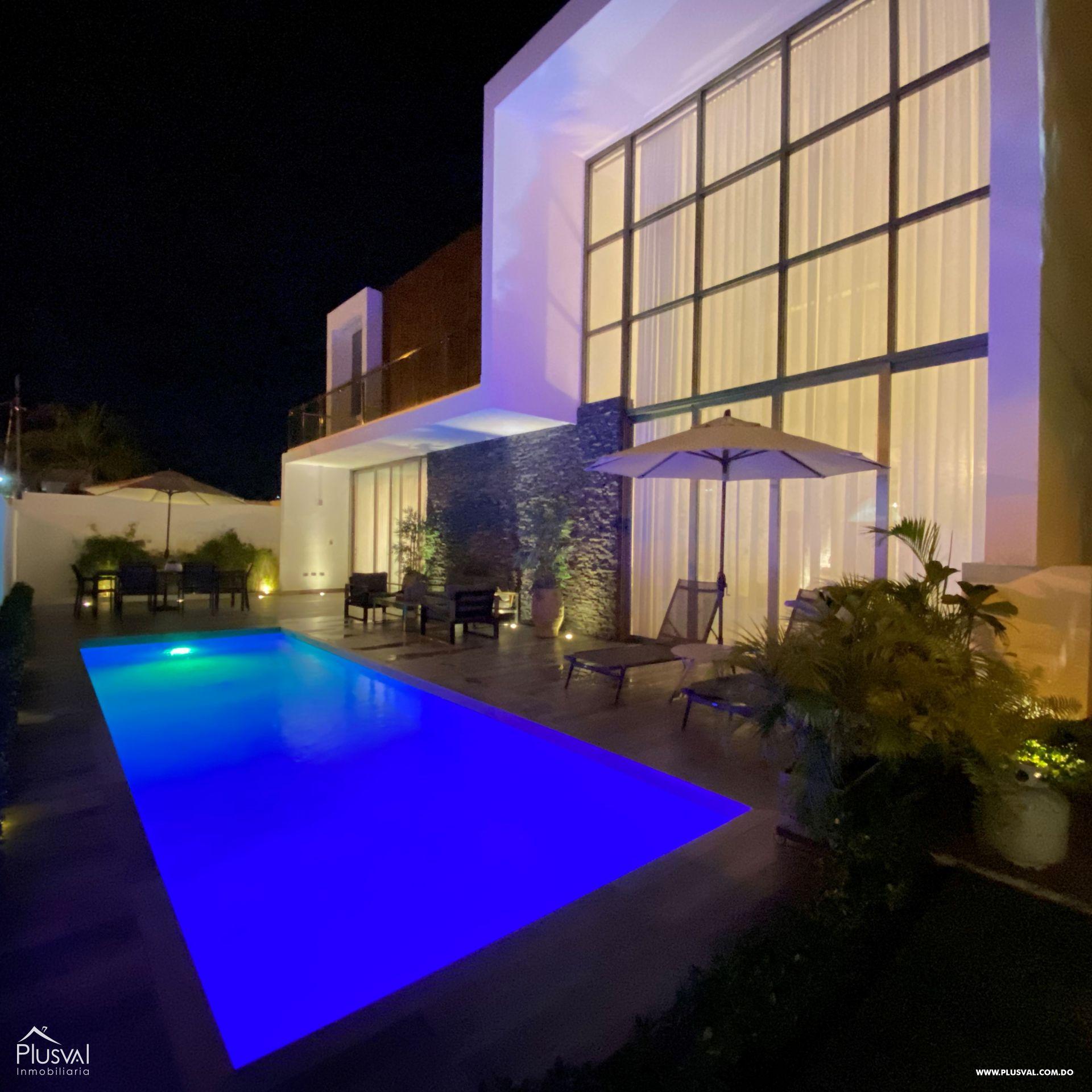 Casa en venta con piscina en Higüey 156598