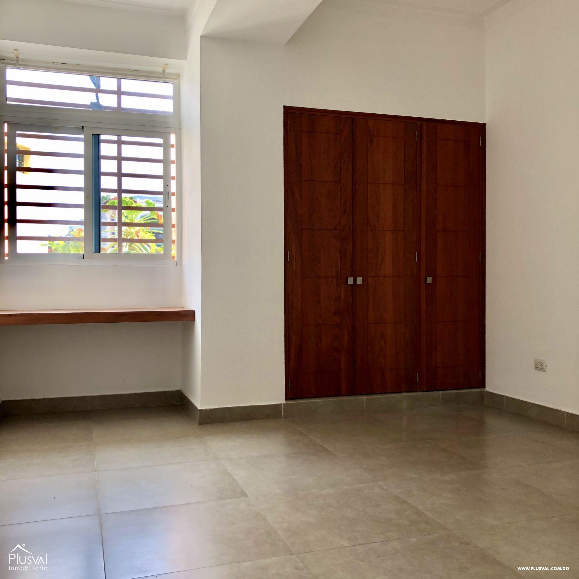 Apartamento 3 habitaciones en excelente zona en Evaristo Morales 159409