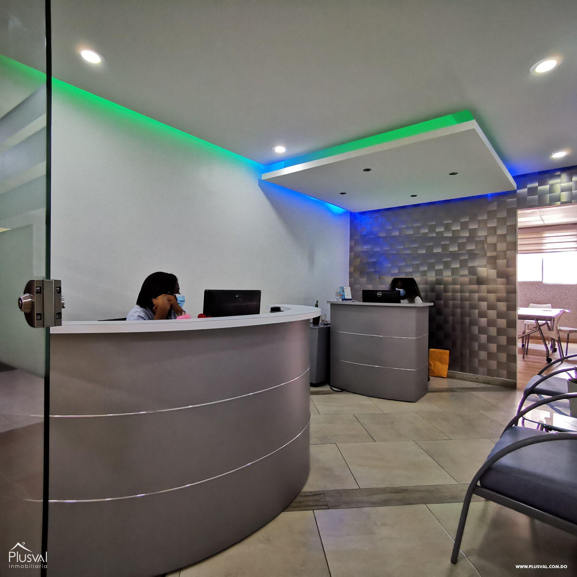 Amplio Local de Oficinas en venta en el Centro de La Ciudad, Naco