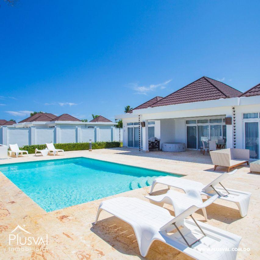 Majestuosa Villa en primera línea de playa.